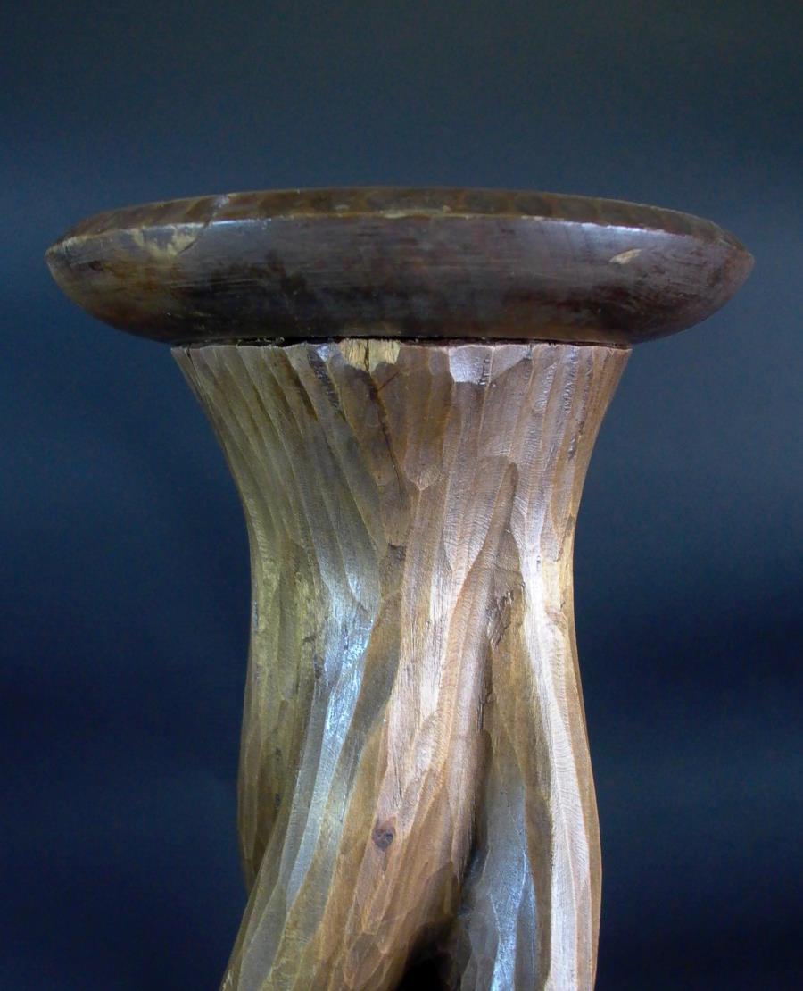 Kerzenständer Holz Geschnitzt ~ Detalles de Art Deco Kerzenständer Holz geschnitzt  70cm  sig HE